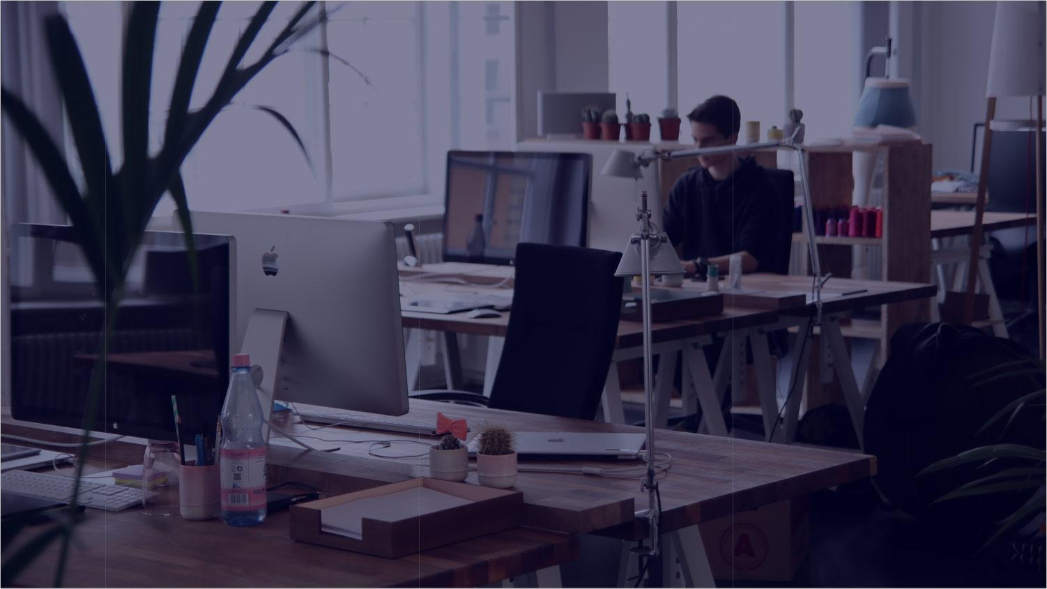 man_alone_office._blue.min.jpg